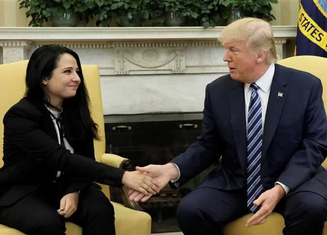 صورة ترامب يستقبل آية حجازي في البيت الأبيض: سعداء بعودتها إلى وطنها