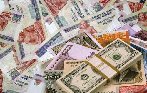 صورة أسعار العملات الأجنبية مقابل الجنيه المصري بأحد البنوك الكبرى