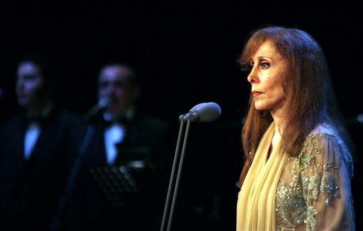 تعليق من ابنة فيروز على شائعة غناء والدتها في حفل بمصر