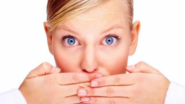 صورة إليك الحل الأمثل للتخلص من رائحة الفم الكريهة