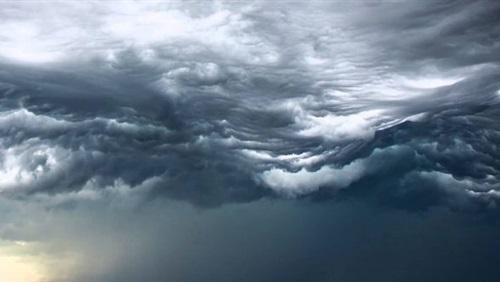 صورة الأرصاد العالمية تطلق أطلس عن السحب تحت اسم «سحب يوم القيامة»