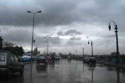 صورة بالفيديو .. الأرصاد تحذر من سقوط أمطار رعدية في هذه المناطق