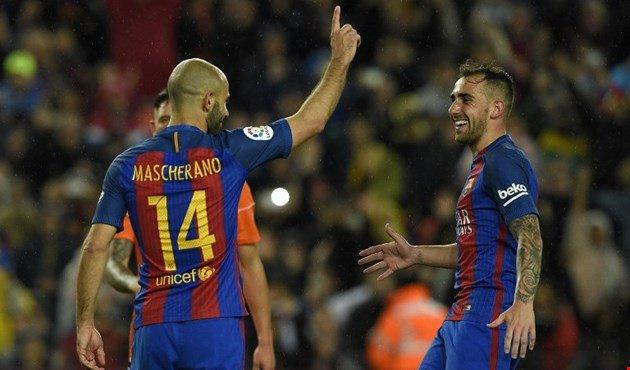 صورة حدث نادر في مباراة برشلونة مع أوساسونا بالدورى الأسباني