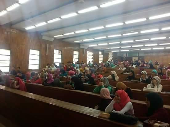 جامعة الزقازيق يقرر رفع مكافأة طلاب الجامعة المكلفين بمحو الأمية