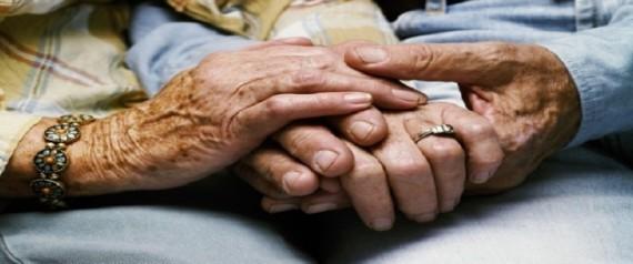 صورة زوجة بريطانية تلحق بزوجها بعد علمها بوفاته بأربع دقائق