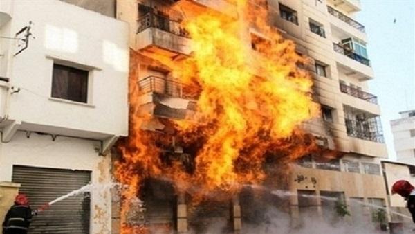 صورة السيطرة على حريق نشب بشقة طبيب بالعاشر من رمضان