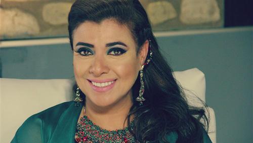صورة بالفيديو.. نشوى مصطفى تكشف حقيقة خلافها مع آثار الحكيم: «إهانة زمايلها»