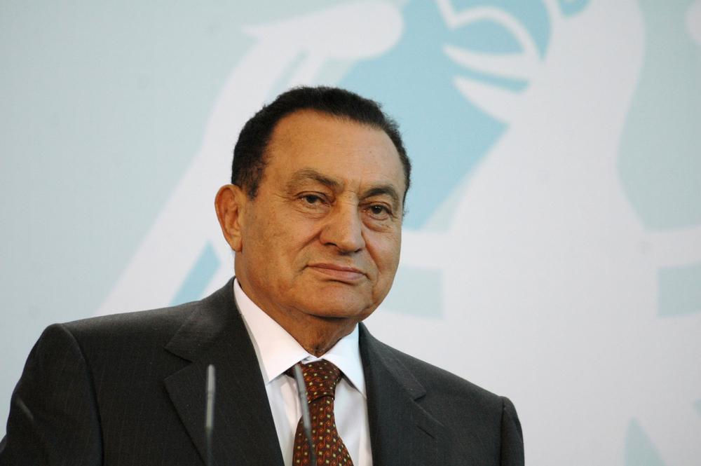 صورة المحكمة تقرر تأييد الحجز على 51 مليون جنيه من أموال مبارك