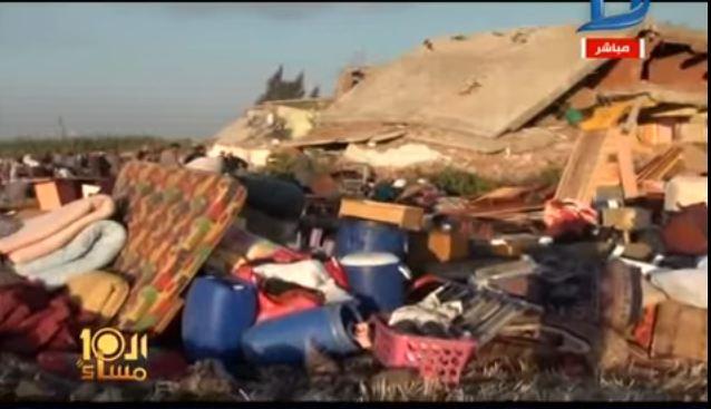 صورة بالفيديو.. تشريد 13 أسرة بعد إزالة منازلهم بفاقوس