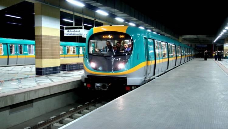 صورة تشغيل أول محطة مترو تعمل ببوابات الكارت الذكى الجديدة.. قريبًا