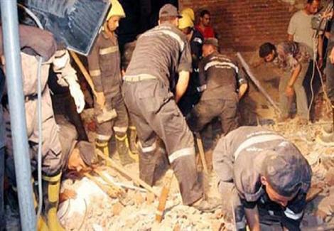 صورة تفاصيل البحث عن جثة شاب أسفل عقار انهار أثناء التنقيب عن الآثار بمنيا القمح