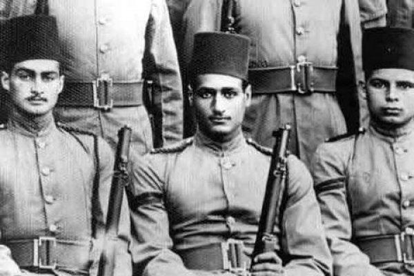 صورة رحلة «أحمد مظهر» من دفعة عبدالناصر والسادات إلى السينما
