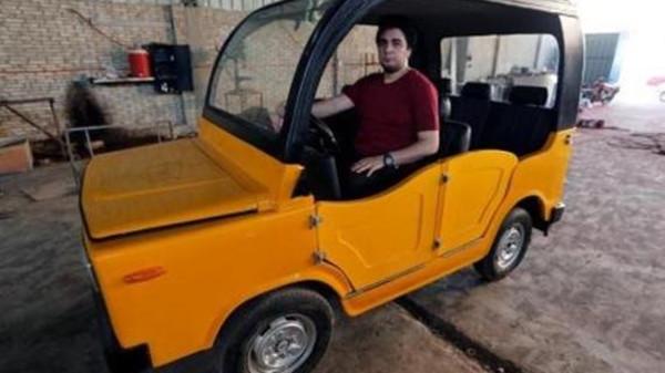 صورة شاب مصري يصنع عربة بديلة للـ «التوك توك» واسعة الانتشار وبأقل التكاليف