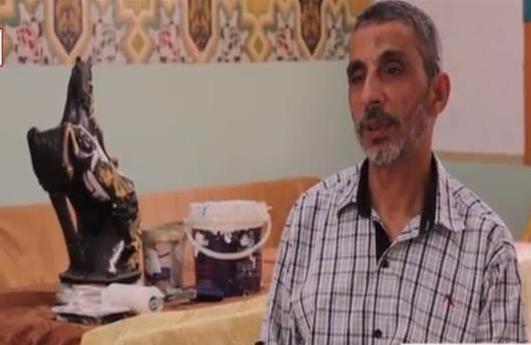 صورة قصة عم «نبيل» .. أستاذ ورئيس قسم صباحًا ونقاش ليلًا والسبب : المرتب مش بيكفي