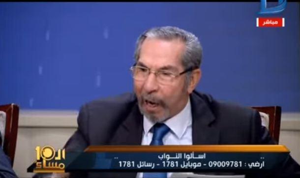صورة بالفيديو.. متصل لوائل الإبراشي : «والله أنا باكل من القمامة»