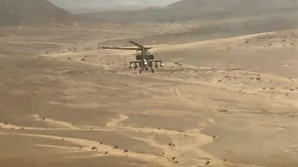 صورة وزارة الدفاع تنشر فيديو تدمير 15 سيارة محملة بالأسلحة على الحدود الغربية