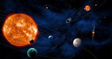 صورة فيزيائي بريطاني: كنت ملحداً لكن أبحاثي العلمية أثبتت أن الله خلق الكون