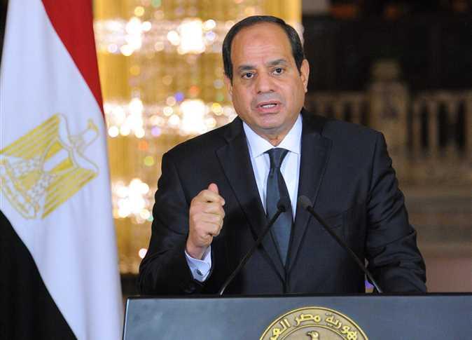 صورة السيسي : الرفق بالمصريين مش طبطبة بس عليهم بل إجراءات إصلاحية ليهم