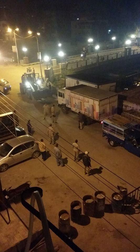صورة تفاصيل تصادم سيارة نقل بضائع منتجات الجيش الثاني بحاجز خرساني بمنيا القمح