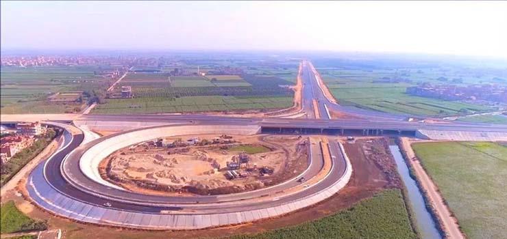 صورة طريق بنها – القاهرة الجديد قبل أيام من افتتاحه