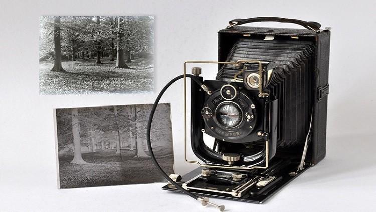 العثور على صور تاريخية نادرة داخل كاميرا قديمة تعود للقرن الـ 19 ...