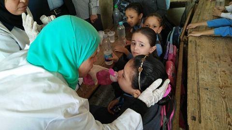 صورة بعد تطعيم الديدان المعوية للطلاب .. تحذير هام من وزارة الصحة