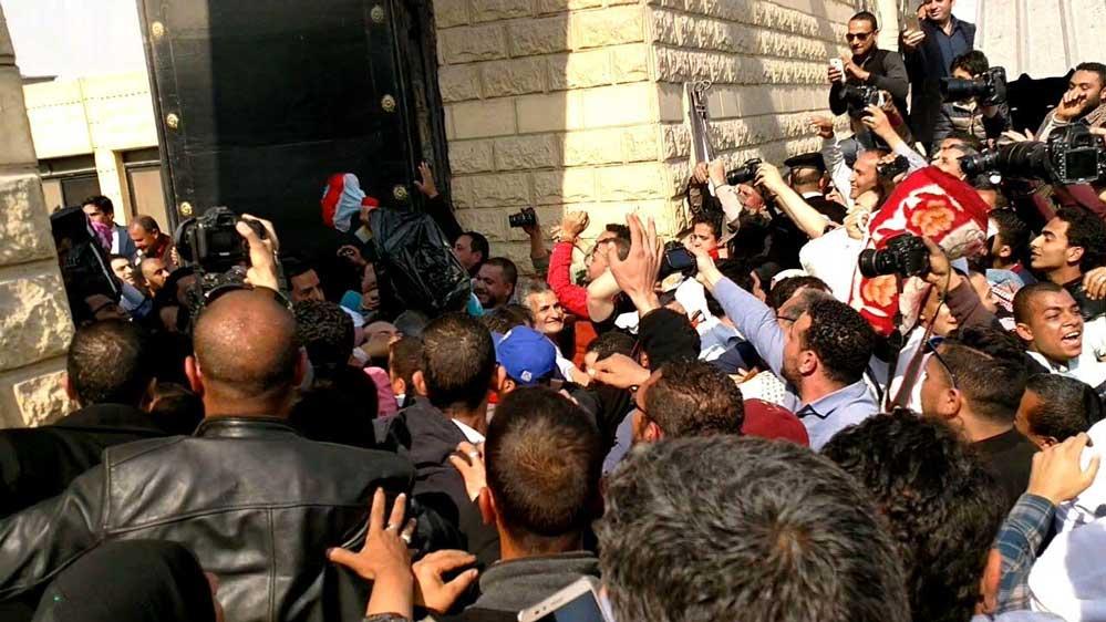 صورة الإفراج عن 487 سجينًا بمناسبة الاحتفال بعيد الشرطة وثورة يناير