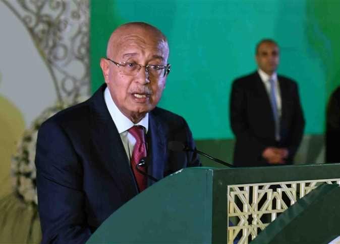 الوزراء يكشف حقيقة مرض شريف إسماعيل
