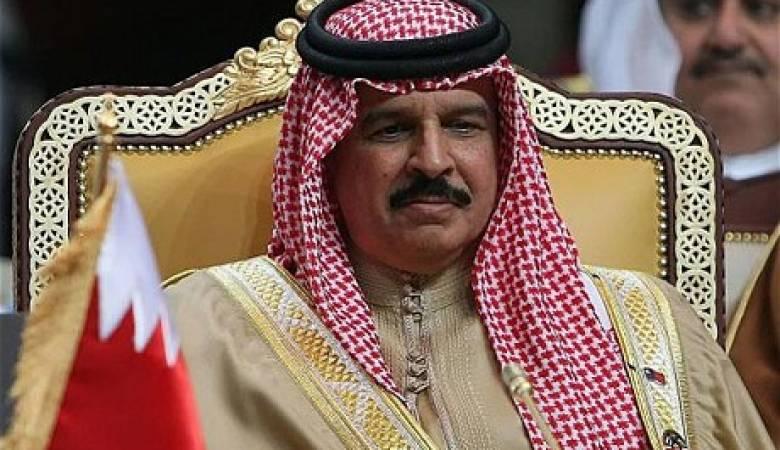 صورة ملك البحرين يعزي السيسي في ضحايا الهجومين سيناء وحلوان