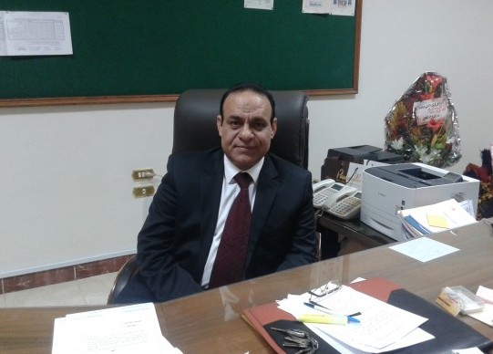 صورة رئيس جامعة الزقازيق يكشف حقيقة إعفاء عميد تجارة من متابعة الامتحانات