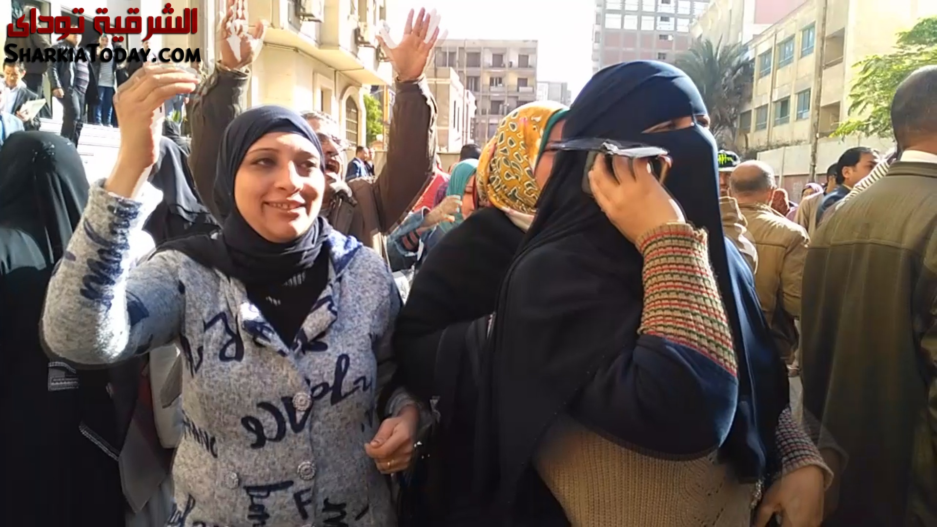 صورة فرحة عارمة بين عمال المحاجر بالشرقية بعد قرار القضاء رفض تخفيض رواتبهم