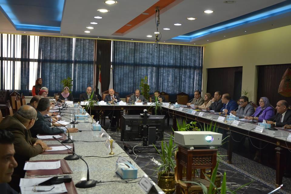 صورة بالأسماء.. مجلس جامعة الزقازيق يوافق على ترقيات وتعيينات جديدة