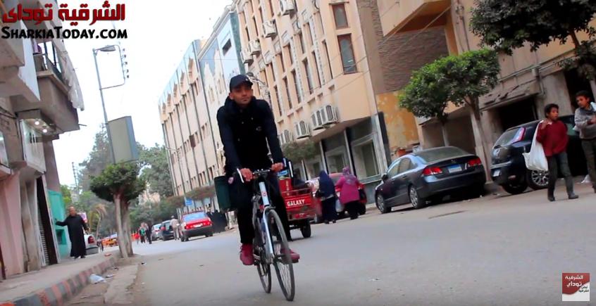 صورة بالعجلة هنوصلك مشروع شاب من الزقازيق راتبه 24 جنيه حول هوايته لمصدر رزق