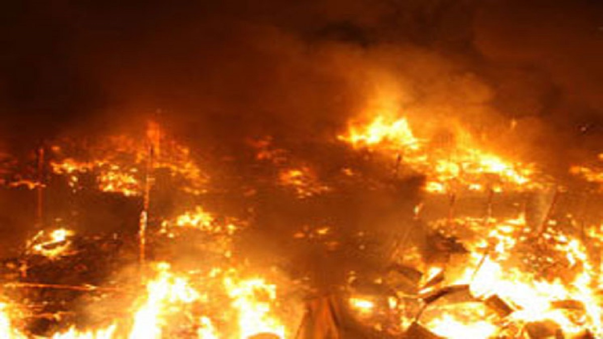 صورة حريق هائل بمدرسة الزقازيق الإعدادية التجريبية بنين