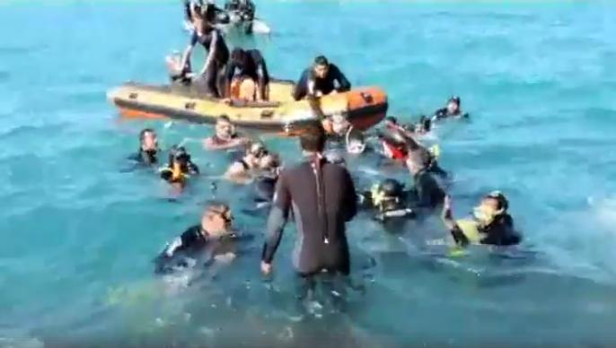 صورة فيديو لحظة انتشال جثة ضحية كوبري ستانلي من البحر بعد أسبوع من اختفاءها