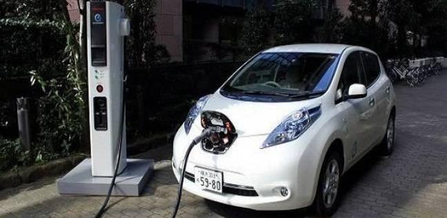 صورة وزير الصناعة يصدر قراراً يسمح باستيراد سيارات الركاب الكهربائية