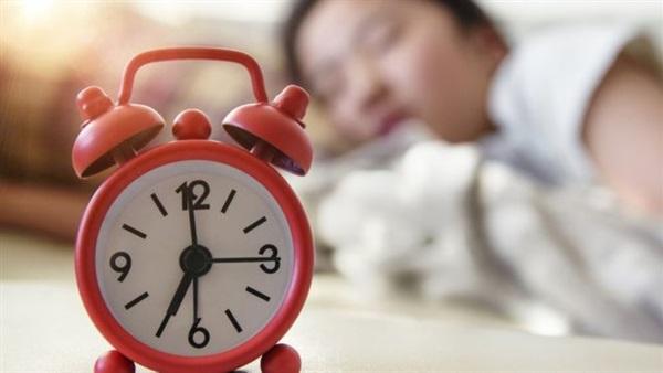 صورة دراسة: الاستيقاظ متأخرا يؤدى إلى الوفاة