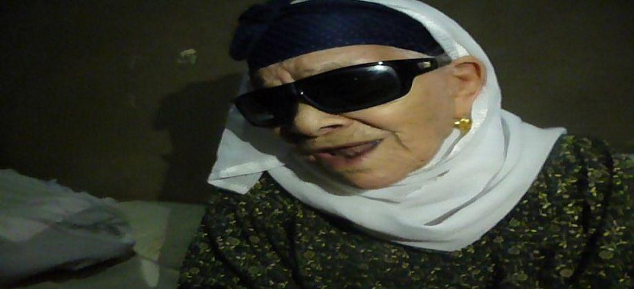 صورة إصابة الحاجة زينب المتبرعة بقرطها الذهبي لـ«تحيا مصر» بوعكة صحية ونقلها للمستشفى