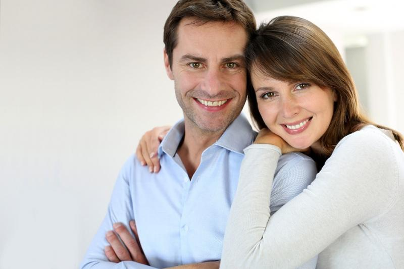 صورة السعادة بين الأزواج تزيد بعد مرور 20 عاماً من عقد القران