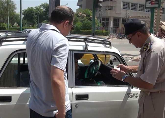 صورة رسوم استخراج وتجديد الرخصة في مرور الشرقية