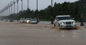 إعصار مكونو يضرب سواحل عُمان