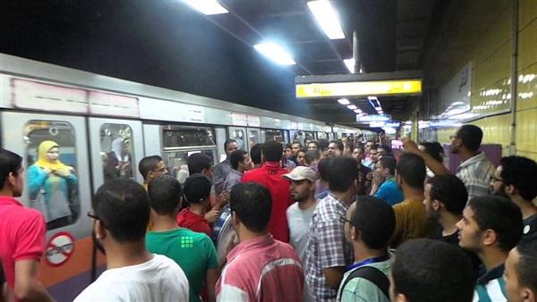 صورة حبس 10 أشخاص اعتراضوا على زيادة تذكرة المترو بحلوان
