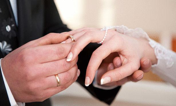 صورة دراسة: المتزوّجون أقل عرضة لأمراض القلب