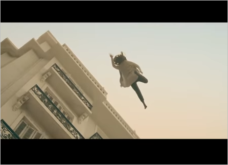 لحظة تمثيل مشهد انتحار سعاد حسني في عوالم خفية