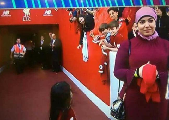 صورة تفاعل جماهير ليفربول مع مكة محمد صلاح في آنفيلد