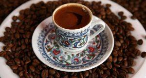 أربعة أكواب قهوة يومياً لخلايا أكثر شباباً