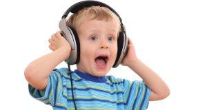 احذروا استخدام الأطفال لسماعات الأذن