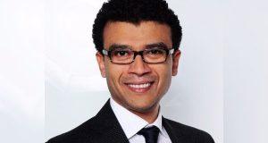شاب مصري يتولى عميد كلية إعلام في ألمانيا بعد منافسة 17 أستاذ
