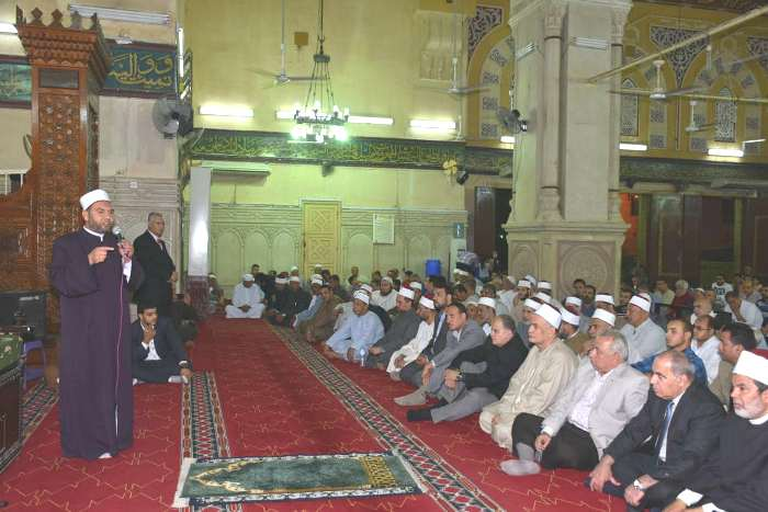 صورة محافظ الشرقية يحضر احتفالية الأوقاف بليلة القدر بمسجد الفتح بالزقازيق
