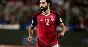 محمد صلاح يحتفل بعيد ميلاده